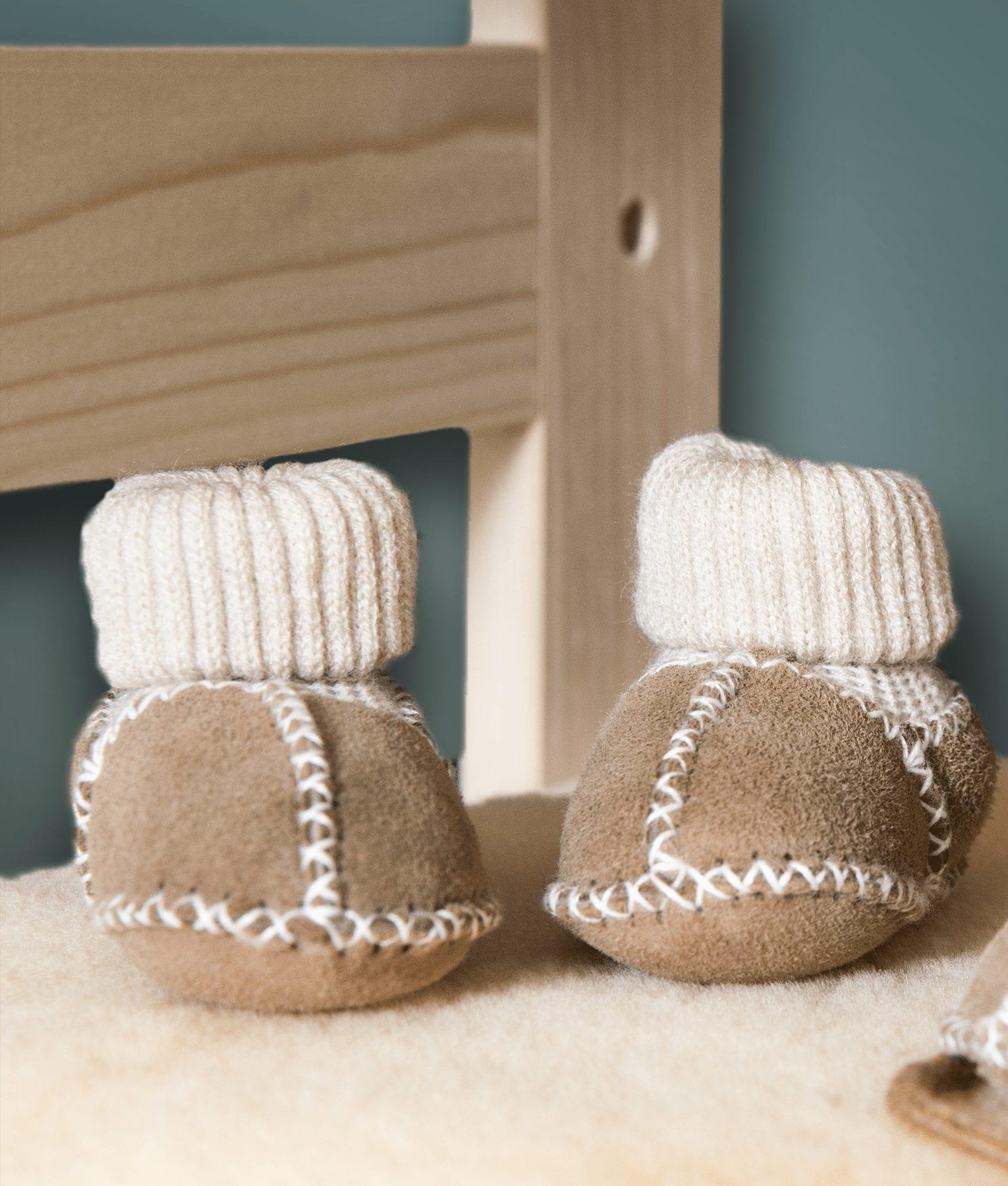 chaussures-pour-bébés-agneau