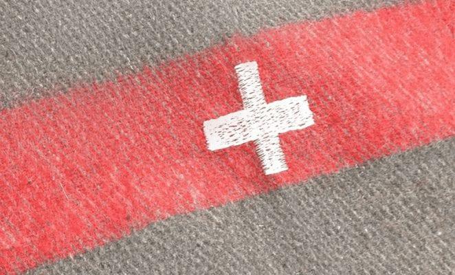 manta de lana de ejército suizo